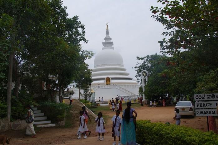 Peace-Pagoda-Unawatuna01