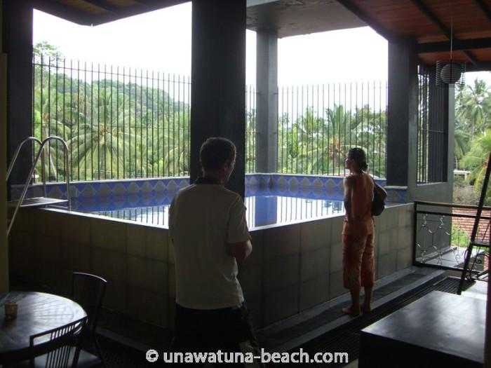 Pool im zweiten Stock neues Haupthaus