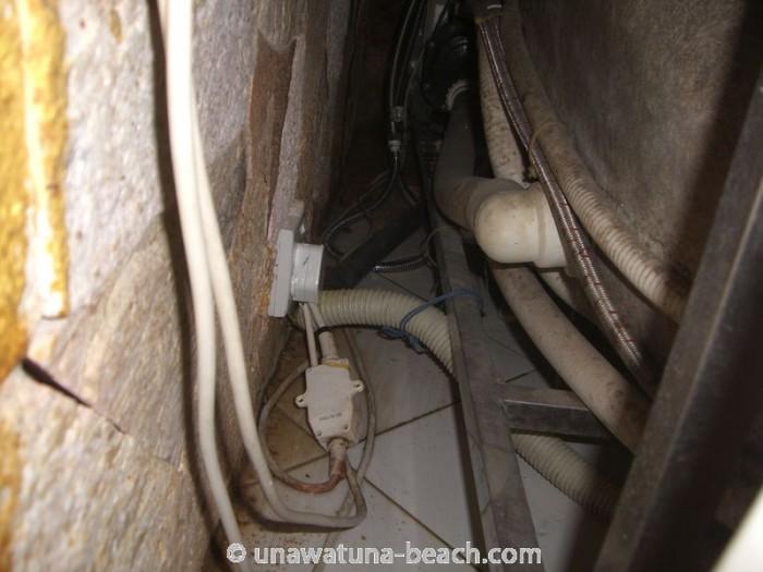 Stromkabel im Wasser